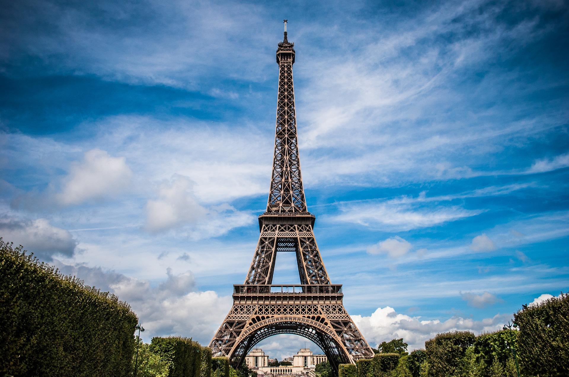 eiffel-tower-975004_1920 (Nuno Lopes from Pixabay)